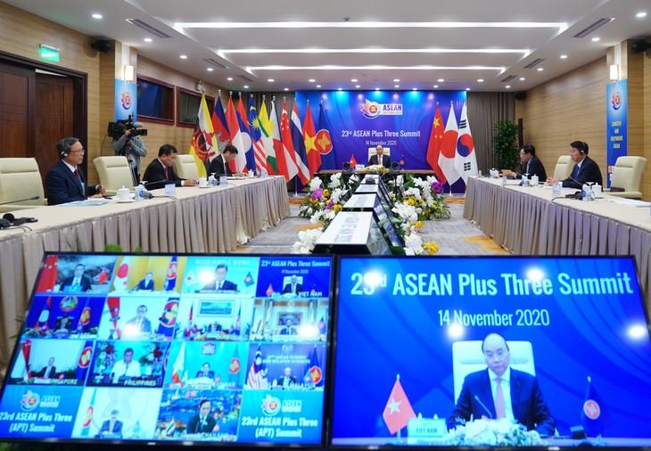 Trung Quốc, Nhật Bản, Hàn Quốc coi trọng vai trò trung tâm của ASEAN - ảnh 2