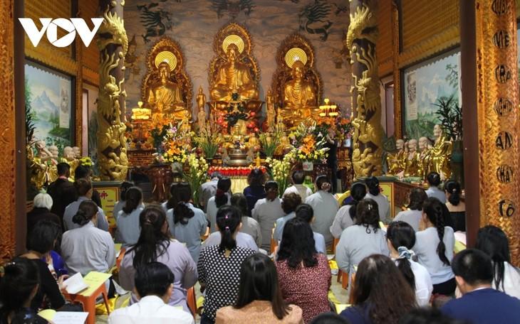Cộng đồng người Việt tại Lào dự Lễ cầu quốc thái dân an  - ảnh 1