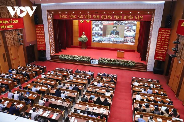 Đảng viên hào hứng nghe quán triệt trực tiếp Nghị quyết Đại hội XIII - ảnh 2