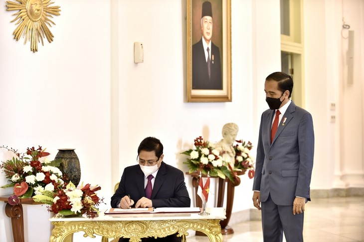 Nhìn lại chuyến công du nước ngoài đầu tiên của Thủ tướng Phạm Minh Chính - ảnh 10