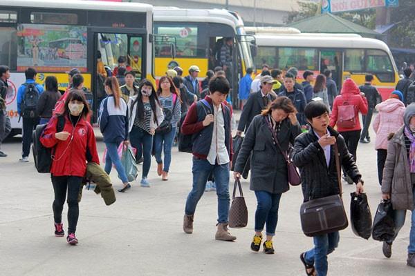 Người dân bắt buộc phải khai báo y tế khi quay trở lại Hà Nội sau kỳ nghỉ Lễ 30/4 và 1/5 - ảnh 1