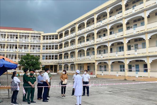 Thứ trưởng Bộ y tế kiểm tra công tác phòng chống dịch bệnh ở Vĩnh Long - ảnh 1