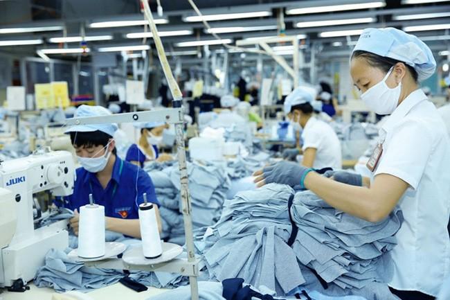 Ngân hàng Standard Chartered dự báo GDP Việt Nam tăng trưởng 7,3% năm 2022  - ảnh 1