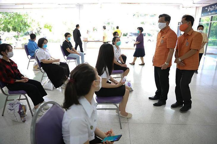 Hội người Việt tỉnh Udon Thani (Thái Lan) chia sẻ khó khăn với lưu học sinh Việt - ảnh 1