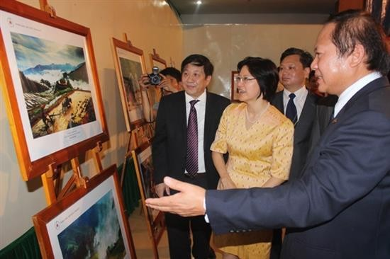 Triển lãm ảnh và phim phóng sự tài liệu trong cộng đồng ASEAN - ảnh 1