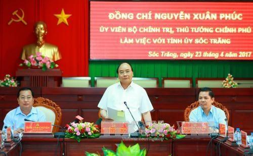 Thủ tướng Nguyễn Xuân Phúc: Sóc Trăng cần tập trung mở rộng lúa cao sản và các loại trái cây lợi thế - ảnh 1