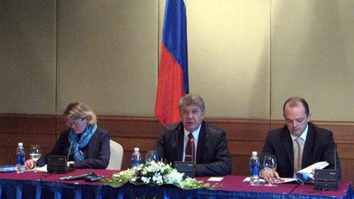 เวียดนามกับรัสเซียจะผลักดันความสัมพันธ์หุ้นส่วนยุทธศาสตร์ต่อไป - ảnh 1