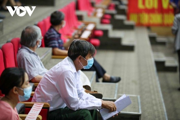 Initial COVID-19 vaccination drive begins in Da Nang - ảnh 7