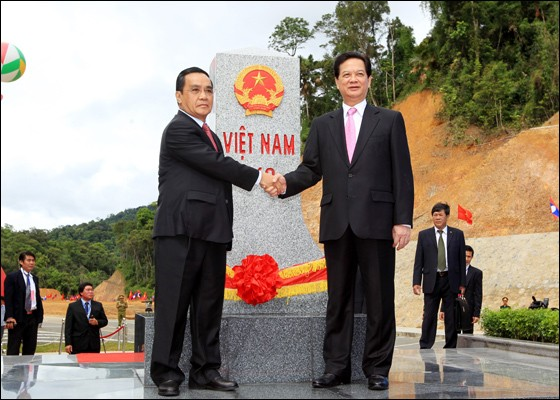 เวียดนามและลาวเสร็จสิ้นงานด้านการปักปันหลักพรมแดนทางบก - ảnh 1