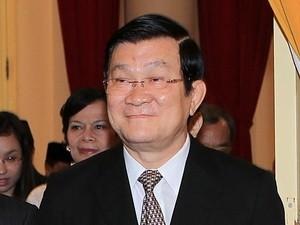 ประธานประเทศเจืองเติ้นซางเยือนฮังการี - ảnh 1