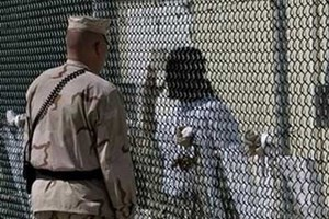 ทางการบารัก โอบามาเร่งรัดให้รัฐสภาสหรัฐปิดเรือนจำกวนตานาโม - ảnh 1