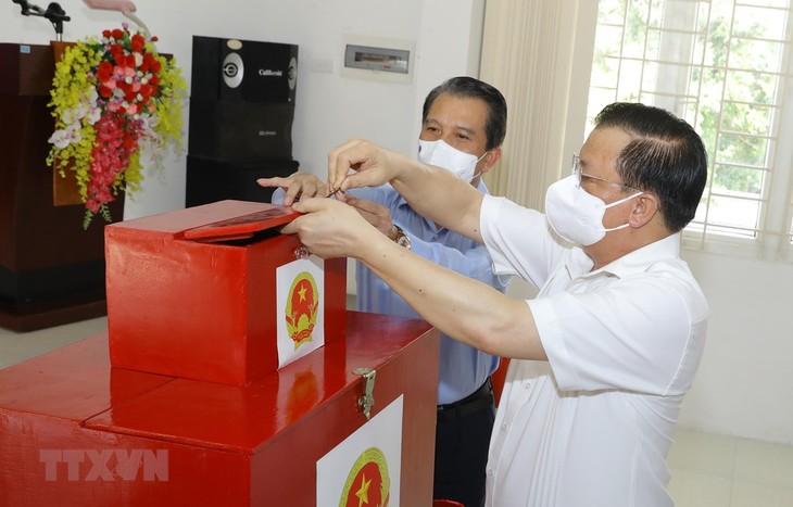 Более 69 млн. избирателей воспользуются своим правом выбора - ảnh 1