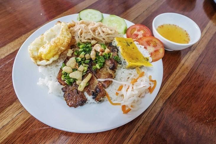 Британский журнал Rough Guides рекомендовал 9 вьетнамских блюд, которые стоит попробовать - ảnh 9