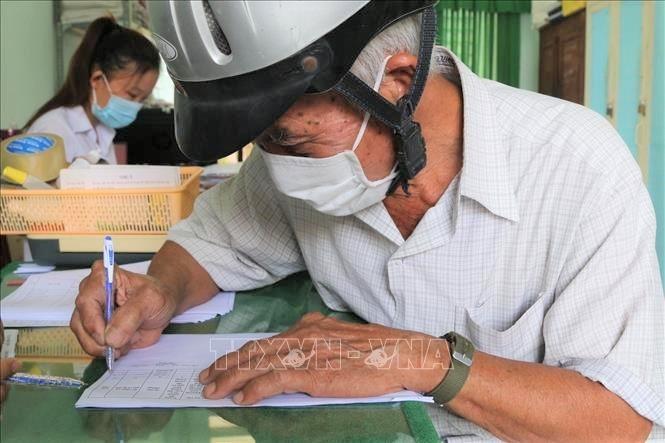 Усилия прилагаются для обеспечения благосостояния населения во время и после эпидемии COVID-19 - ảnh 1