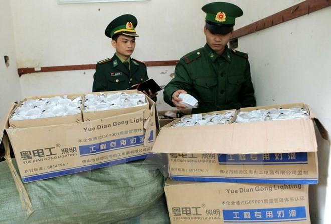 Việt Nam, Trung Quốc triển khai chiến dịch chống buôn lậu tại khu vực biên giới  - ảnh 1