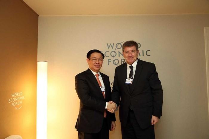 Việt Nam nhấn mạnh phát triển lành mạnh thị trường dịch vụ giáo dục-đào tạo và y tế - ảnh 1