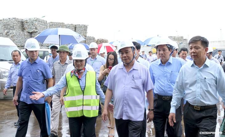 Thủ tướng  Nguyễn Xuân Phúc thăm mô hình xử lý rác thải tại Quảng Bình - ảnh 3