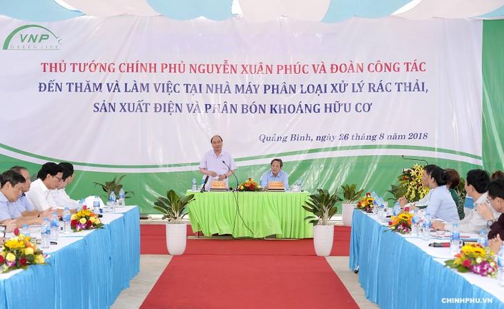 Thủ tướng  Nguyễn Xuân Phúc thăm mô hình xử lý rác thải tại Quảng Bình - ảnh 1