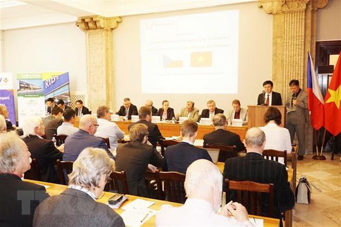 Nghị sỹ CH Czech ủng hộ tăng cường hợp tác với Việt Nam  - ảnh 1