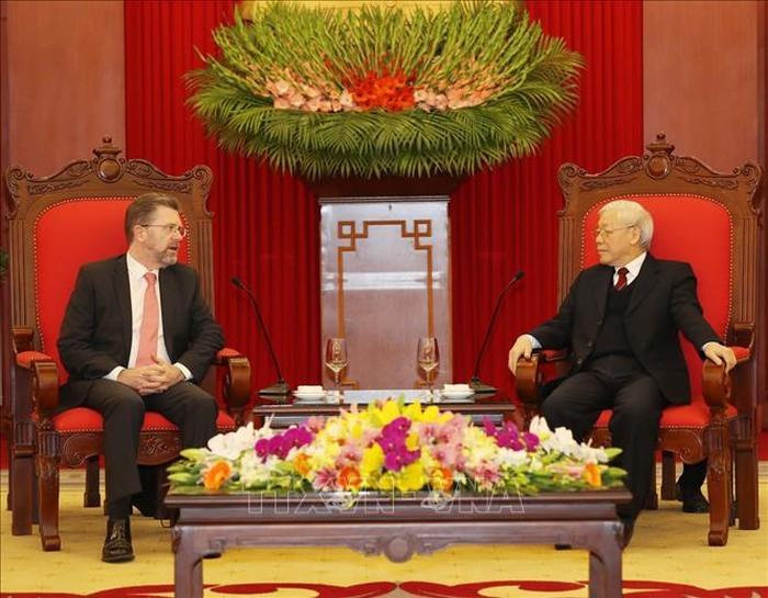 Tổng bí thư, Chủ tịch nước Nguyễn Phú Trọng tiếp Chủ tịch thượng viện Australia - ảnh 1