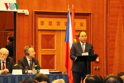 Mở ra không gian rộng lớn cho quan hệ hợp tác giữa Việt Nam với Romania và Cộng hòa Czech - ảnh 1