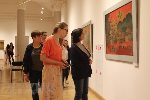 Tranh sơn mài Việt Nam đến với công chúng yêu nghệ thuật Nga - ảnh 1