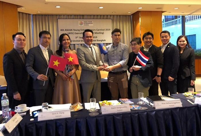 Việt Nam tiếp nhận chức Chủ tịch Hội Doanh nhân trẻ ASEAN - ảnh 1