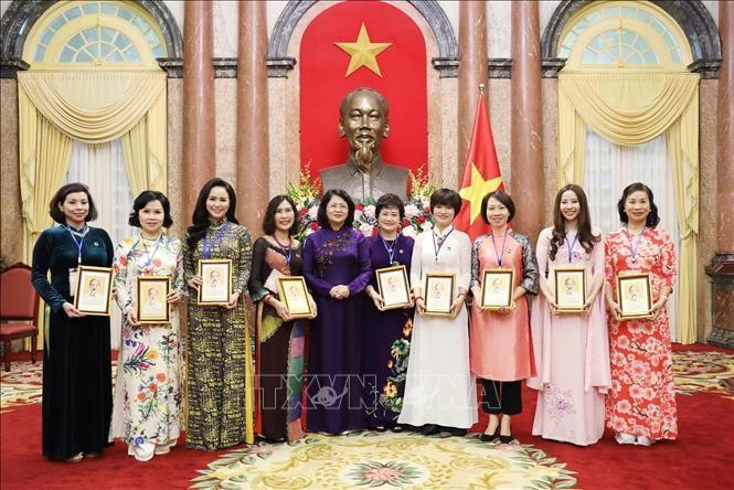 Phó Chủ tịch nước Đặng Thị Ngọc Thịnh tiếp đoàn nữ doanh nhân Cựu chiến binh Thủ đô tiêu biểu - ảnh 1