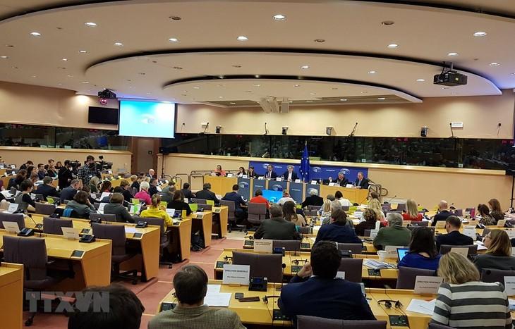 Hàng loạt báo Đức đưa tin Ủy ban Thương mại Quốc tế thuộc EP bật đèn xanh cho EVFTA - ảnh 1