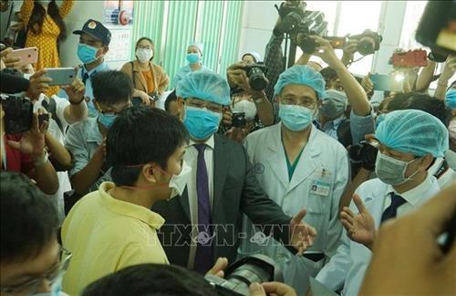 2 bệnh nhân nhiễm virus nCoV xuất viện - ảnh 1
