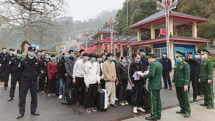 Bộ Quốc phòng họp ban chỉ đạo dịch bệnh viêm đường hô hấp cấp nCoV - ảnh 1