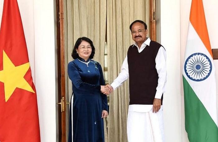 Phó Chủ tịch nước Đặng Thị Ngọc Thịnh hội đàm với Phó Tổng thống Ấn Độ - ảnh 1