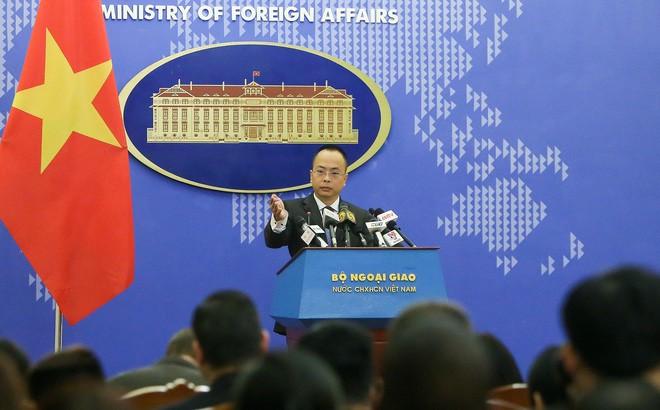 Bộ Ngoại giao lên tiếng trước việc Hoa Kỳ đưa Việt Nam khỏi danh sách nước đang phát triển - ảnh 1