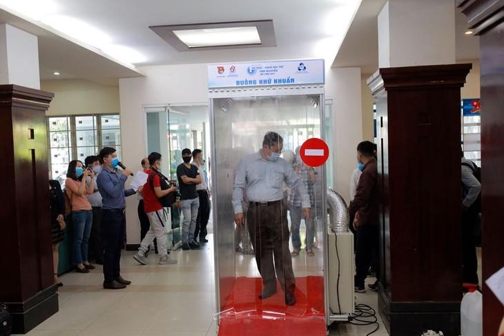 Thành phố Hồ Chí Minh ra mắt buồng khử khuẩn phòng chống dịch bệnh - ảnh 1