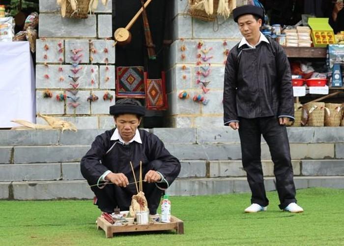 Điệu múa trống của đồng bào Giáy ở tỉnh Hà Giang - ảnh 1