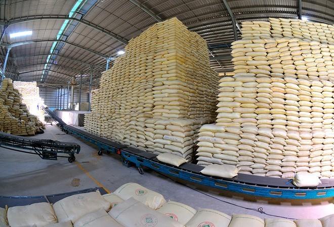 Giá gạo xuất khẩu Việt Nam vươn lên dẫn đầu thế giới - ảnh 1