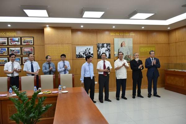 Khai trương phòng truyền thống Ủy ban Nhà nước về người Việt Nam ở nước ngoài - ảnh 2