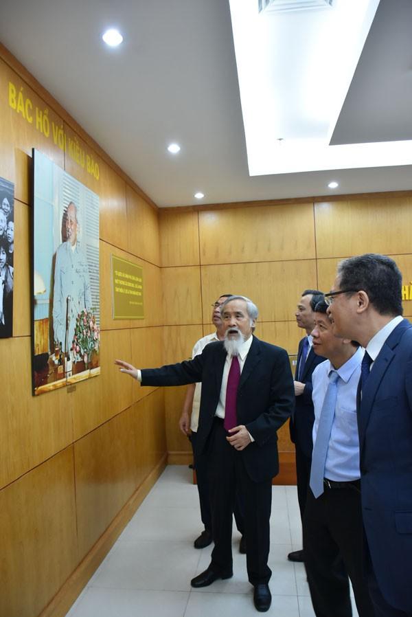Khai trương phòng truyền thống Ủy ban Nhà nước về người Việt Nam ở nước ngoài - ảnh 6