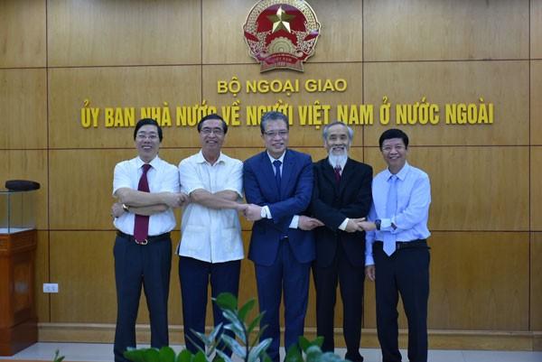 Khai trương phòng truyền thống Ủy ban Nhà nước về người Việt Nam ở nước ngoài - ảnh 3