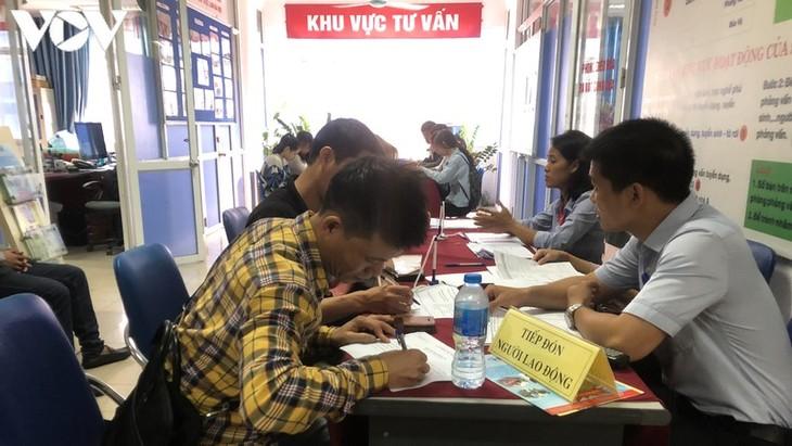 Hà Nội: Hơn 4.000 chỉ tiêu tuyển dụng trong tháng 8 - ảnh 1