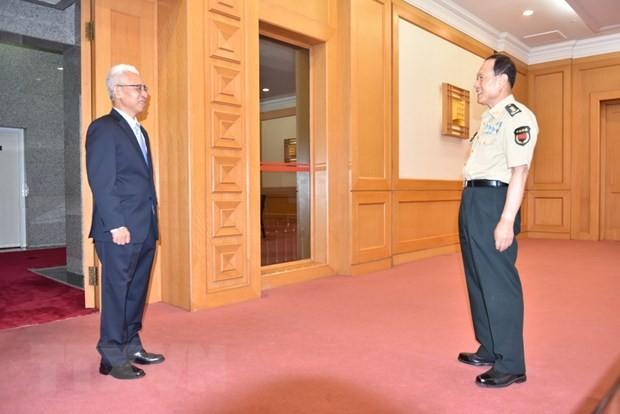 Đại sứ Phạm Sao Mai hội kiến Ủy viên Quốc vụ, Bộ trưởng Quốc phòng Trung Quốc  - ảnh 1
