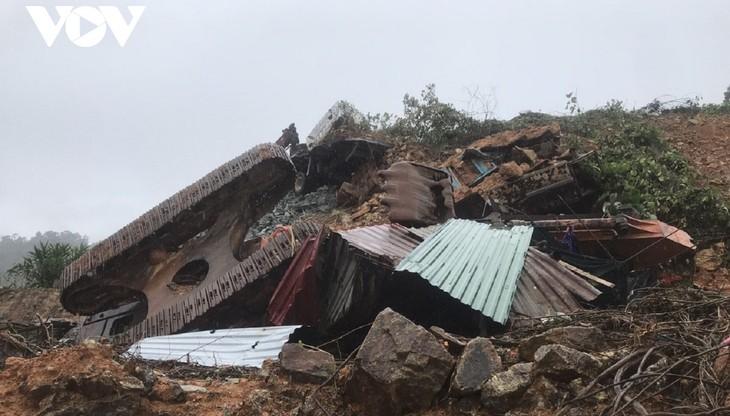 Mưa lũ tại miền Trung khiến 128 người thiệt mạng và mất tích - ảnh 1