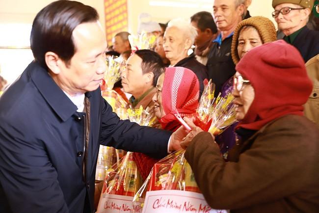Bộ trưởng Bộ Lao động, Thương binh và Xã hội chúc Tết, tặng quà tại Đắk Lắk - ảnh 1