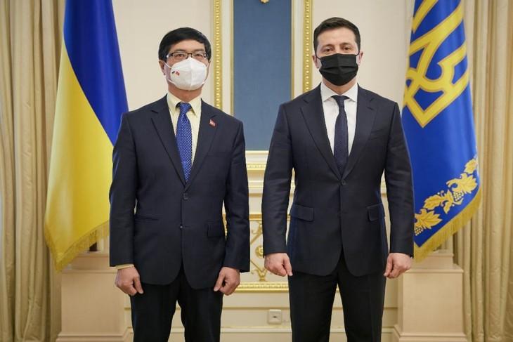 Việt Nam mong muốn phát triển mạnh mẽ quan hệ với Ukraine - ảnh 1