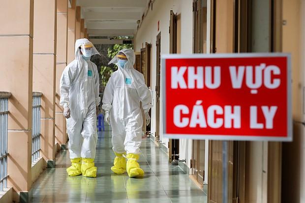 Việt Nam ghi nhận 4 ca mắc COVID-19 được cách ly ngay khi nhập cảnh - ảnh 1