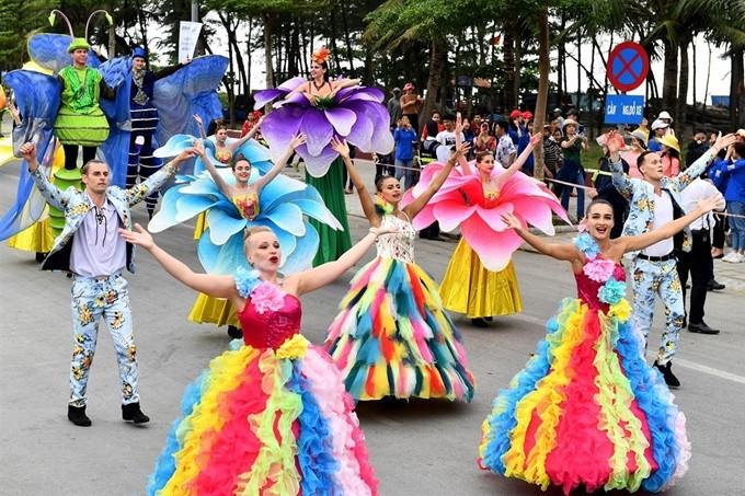 Tỉnh Quảng Ninh hy vọng đón 550 nghìn khách dịp nghỉ lễ 30/4 - 1/5 - ảnh 1