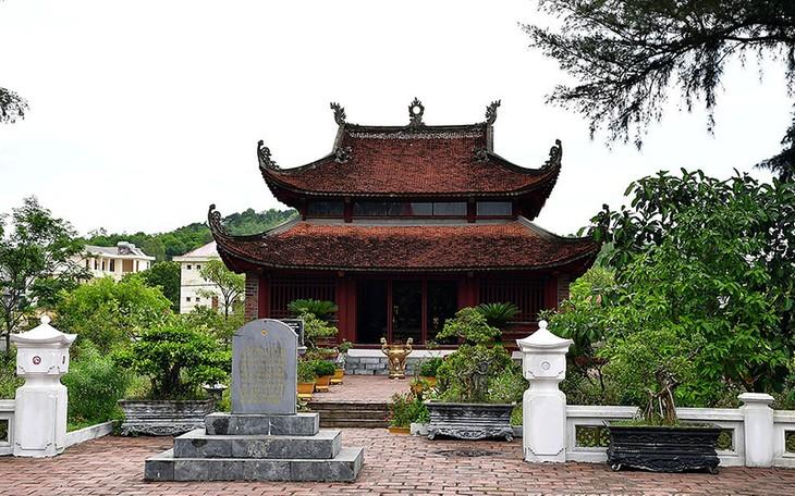 Tượng đài Chủ tịch Hồ Chí Minh giữa biển trời Đông Bắc - ảnh 3