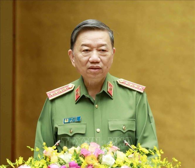 Bộ trưởng Bộ Công an Tô Lâm gửi Thư khen lực lượng Công an trong phòng, chống dịch COVID-19 - ảnh 1