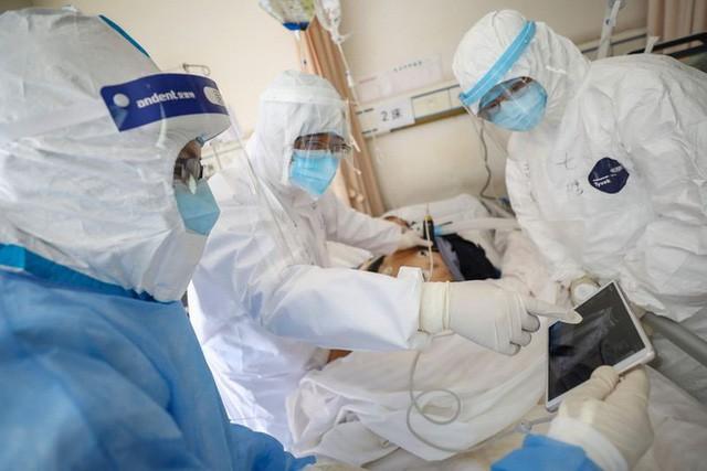 Thêm 2 bệnh nhân COVID-19 có bệnh lý nền nặng tử vong - ảnh 1