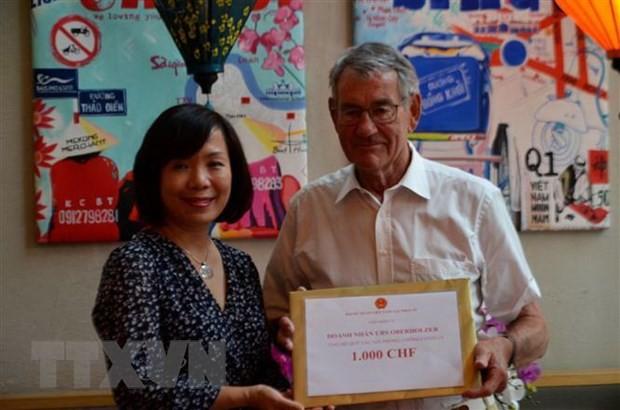 Cộng đồng Việt Nam và doanh nghiệp tại Thụy Sĩ đóng góp cho Quỹ phòng, chống dịch COVID-19 - ảnh 1
